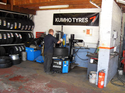 Batteries from Linlithgow Tyres & Exhausts